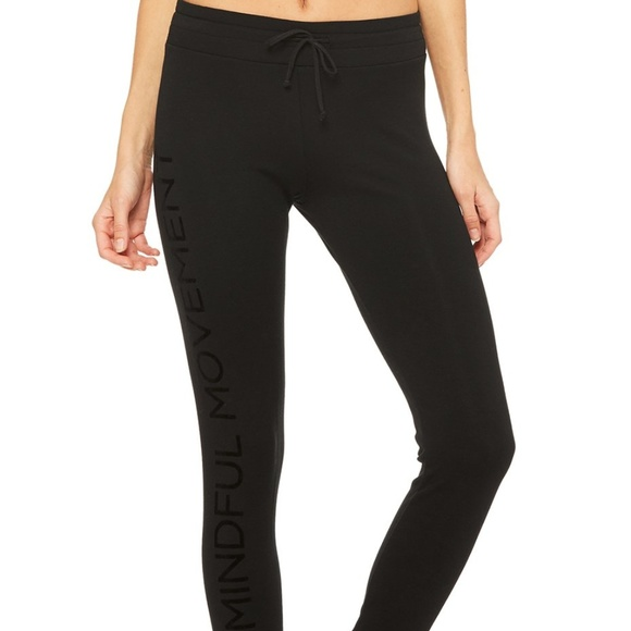 af2f3b3155 ALO Yoga Pants | Twiggy Sweat Black | Poshmark